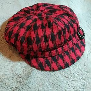 Accessories - Vintage red hat